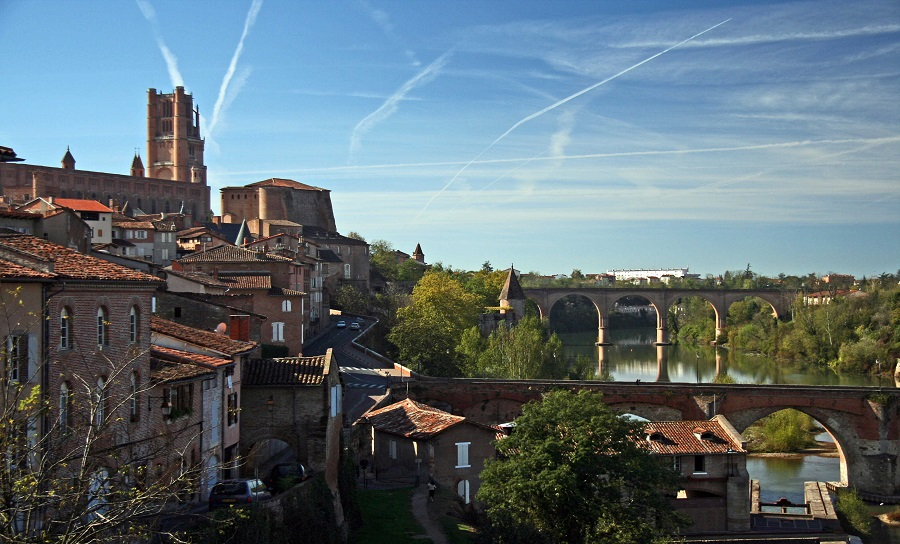 Albi: Medieval houses and cathedral